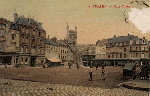 "Place Charles De Gaulle (""place Thiers"")"