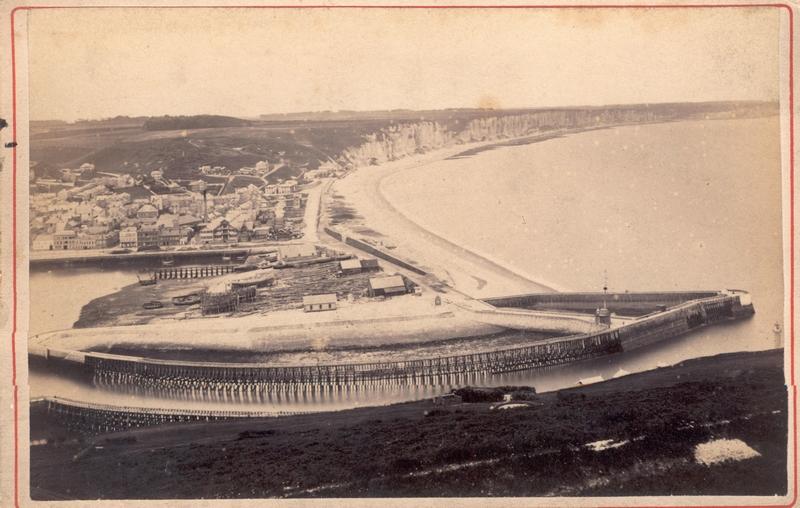 Vue générale du port  de Fécamp vers 1860