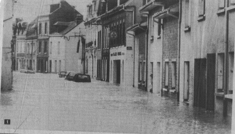 La mer entrant dans Fécamp en 1990