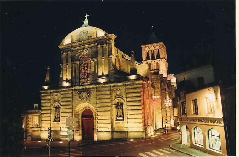 L Abbaye éclairée