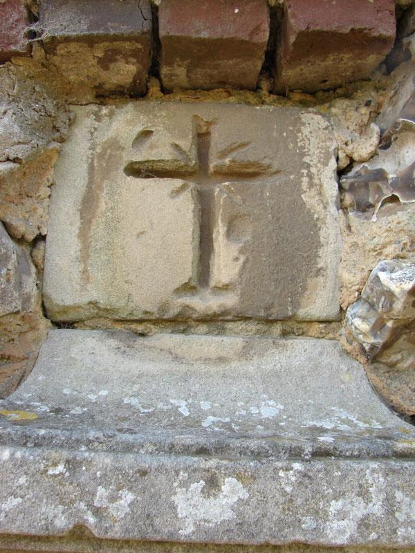 croix gravé