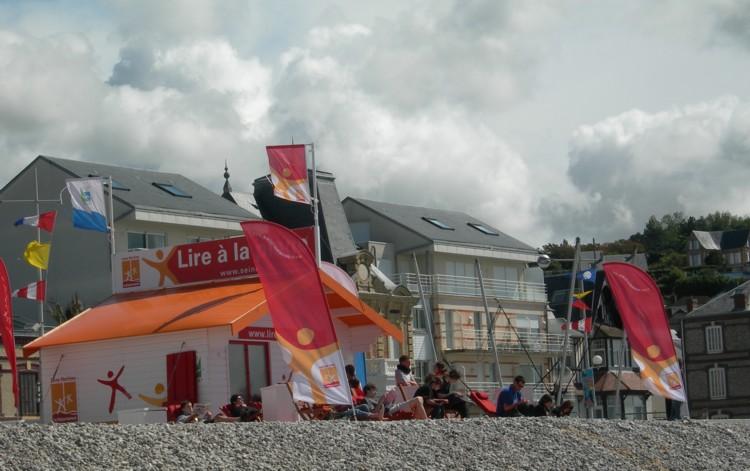 Lire à la plage - en 2007