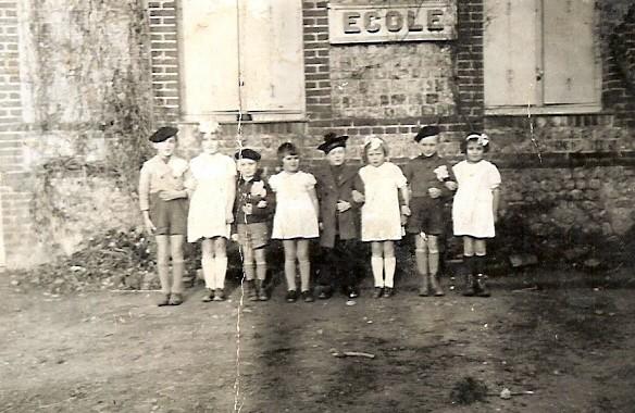 Ecole de Criquebeuf en Caux 1944