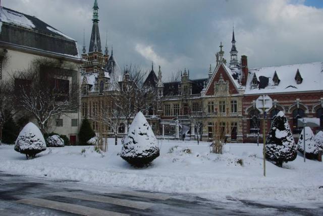 benedictine sous la neige