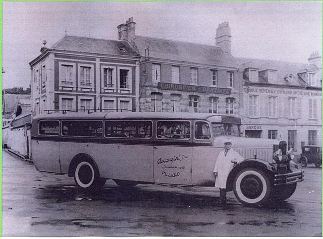 Ancien autocar Arcangioli