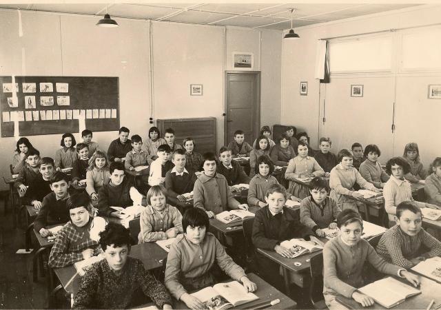 classe préfabriquée des Hauts Camps vers1960