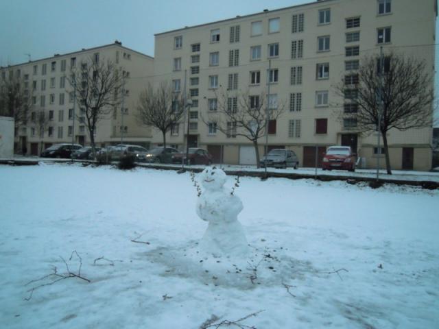 Immeuble Pasteur et bonhomme de neige