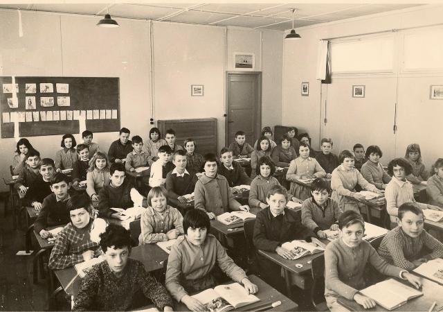 """1960 - L'école des Hauts Camps dite """"le Camembert"""""""