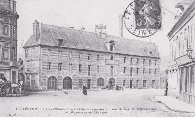 Place du Gal Leclerc, ex place de l'Hotel de ville