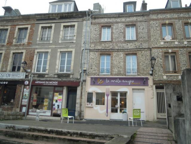 Rue Vicomté, resto le Mêle-Anges