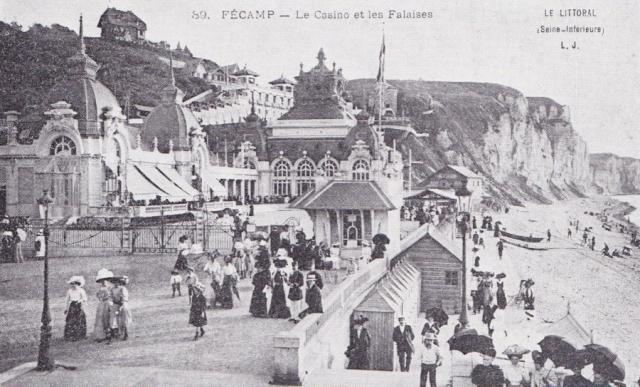 Le casino au  début du XXè s et les falaises