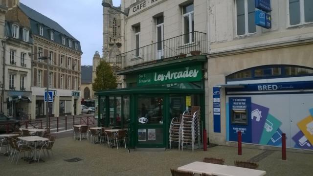 les Arcades Place Charles de Gaules