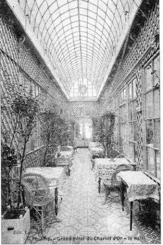 Le Hall du Grand Hôtel du Chariot d'Or