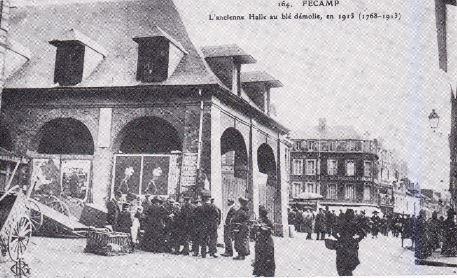 L'ancienne Halle au blé démolie