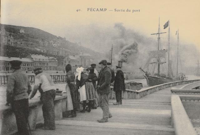 Les estacades, sortie du Port, Quai des Pilotes